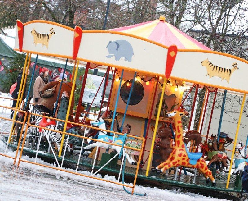 karuselli+tallipiha