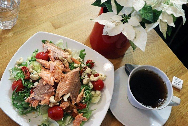 pellascafe+salaatti